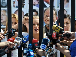"""Lilian Tintori pide """"Libertad antes de navidad"""" para los presos políticos"""