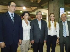 Premios Nobel de la Paz llegan a Venezuela y piden libertad de Leopoldo <br> López y presos políticos