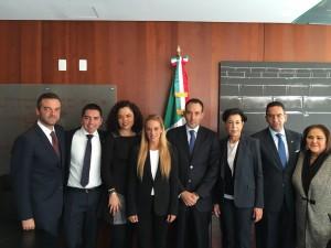 Lilian Tintori presentó ante Cancillería de México violación de DDHH <br> en Venezuela