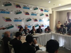 Estudiantes universitarios pidieron a los Premios Nobel continuar alzando <br> la voz por los derechos de los venezolanos