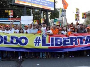 Al grito de #LibertadYa los venezolanos se concentraron en solidaridad <br> con Leopoldo López