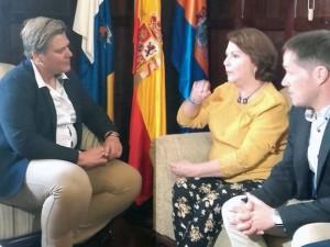 """Mitzy de Ledezma: """"En Canarias se reza y se llora por Venezuela"""""""