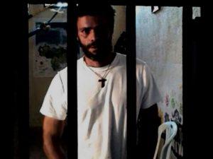 Impactante video denuncia severas condiciones de aislamiento en solitario <br> de Leopoldo López