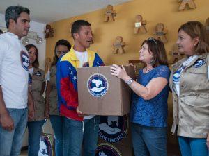 Campaña Rescate Venezuela entregó donaciones de insumos médicos a <br> FUNDANA