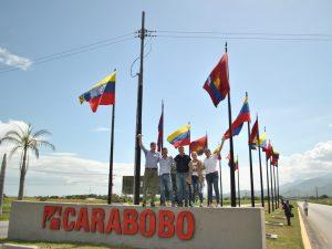Pese a que la GNB impidió el paso hacia Carabobo el equipo de Rescate <br> Venezuela llegó caminando
