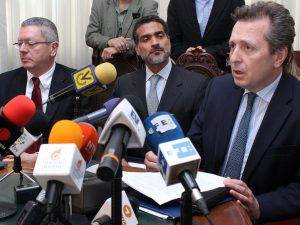 Juristas españoles Gallardón y Cremades llegan este miércoles a Caracas <br> para audiencia de apelación de Leopoldo López