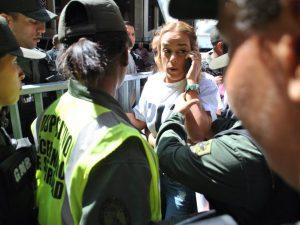 Familiares de los presos políticos acudieron al CNE para pedir cronograma <br> electoral