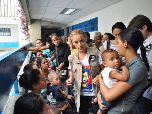 Madres venezolanas lograron que Rescate Venezuela entregara insumos <br>médicos al hospital de niños J.M. de los Ríos