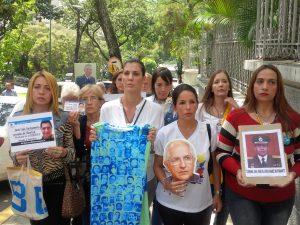 Familiares de presos políticos denuncian en la Nunciatura que no hay <br> condiciones para dialogar con el gobierno