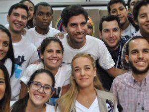 Brigadas Azules recibe donativos de insumos médicos de Rescate Venezuela