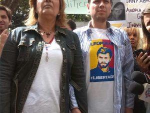 Rosmit Mantilla y Rosa Orozco levantan protesta en la Nunciatura
