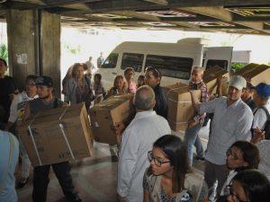 Rescate Venezuela logra entregar insumos médicos al Hospital Los <br> Magallanes de Catia