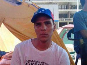 Madre de Ángel Contreras denuncia maltrato del Sebin desde <br>que su hijo empezó huelga de hambre
