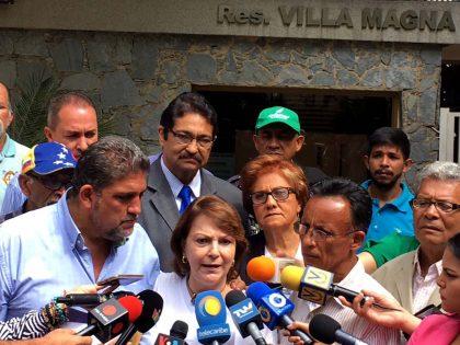 """""""A Antonio Ledezma le dan casa por cárcel y a los pranes playa por cárcel"""""""
