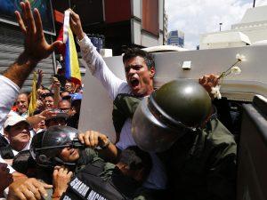 Leopoldo López: debemos salir de una dictadura ineficiente, corrupta <br>y con vínculos con el narcotráfico